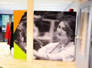 Fotopaneel akoestisch rondom archiefkast onderwijs
