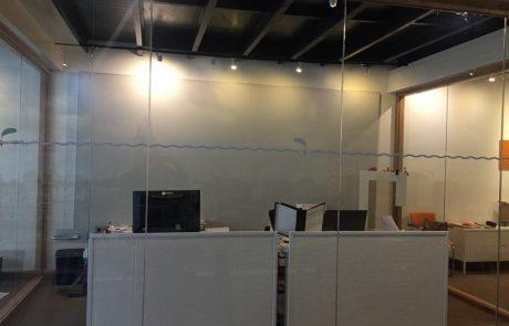 kantoor glas akoestiek demping geluid