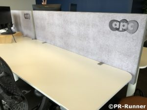 Bureauscherm akoestisch bureaueiland APC - PR-Runner